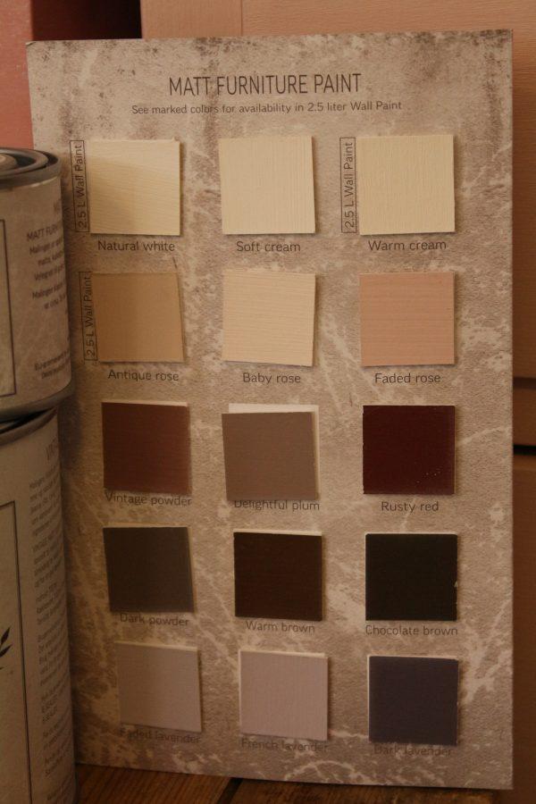 Uusi kalkkimaalivärikartta, vaaleanpunaista ja valkoisia sävyjä