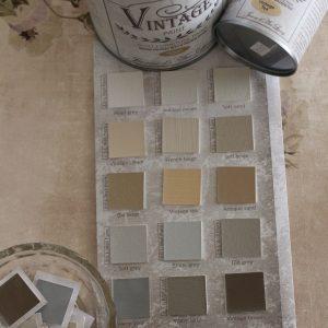 Maanläheiset sävyt värikartassa kuten beige, greige, harmaa ja valkoinen