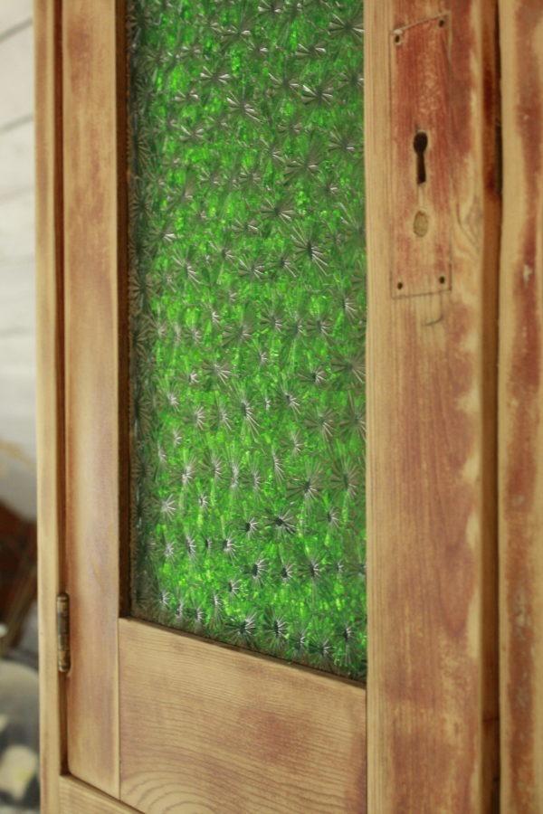 Detaljbild av skåpdörr